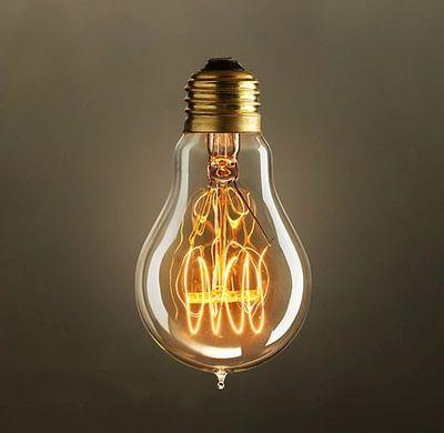 EDISON žiarovka CLASSIC C E27 40W vďaka ručne fúkanému štýlu a teplej jantárovej žiare vyžaruje tento typ žiarovky rustikálne kúzlo2 - EDISON žiarovka - CLASSIC-C - E27, 40W, 150lm