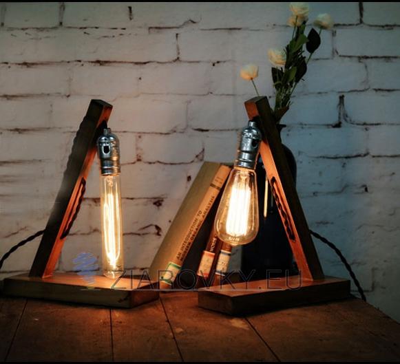 Historické stolové svietidlo v starodávnom štýle vyrobené z dreva určené na žiarovku typu E272 - Historické stolové svietidlo v starodávnom štýle vyrobené z dreva