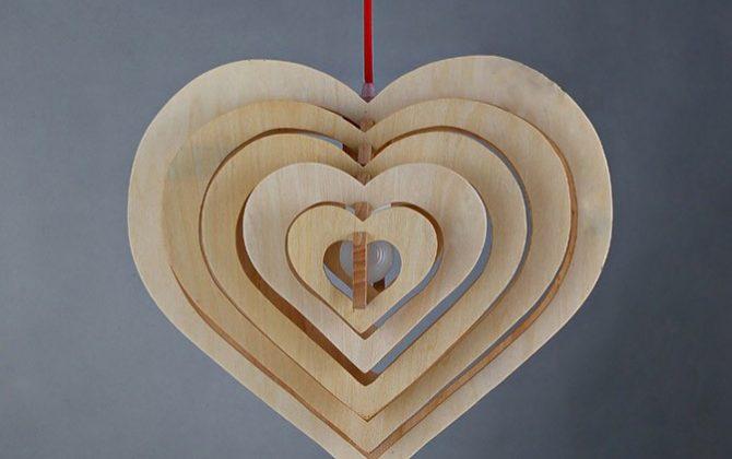 Závesné kreatívne drevené svietidlo HEART1 670x420 - Závesné kreatívne drevené svietidlo - HEART