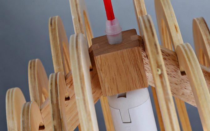 Závesné kreatívne drevené svietidlo HEART5 670x420 - Závesné kreatívne drevené svietidlo - HEART
