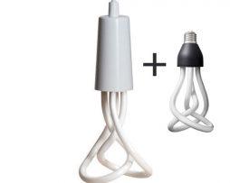 Závesné štýlové svietidlo Plumen DropCap. Svietidlo spolu s úspornou žiarovkou Plumen vyzerá štýlovo a originálne