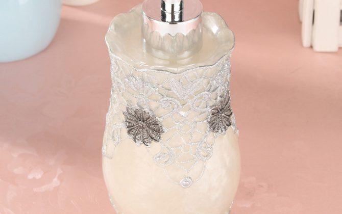 Prepracovaný dávkovač mydla - vintage