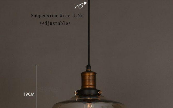 Historické závesné svietidlo s jantárovým skleneným tienidlom. Svietidlo spája jednoduchosť a staršiu dobu1 670x420 - Historické závesné svietidlo s jantárovým skleneným tienidlom