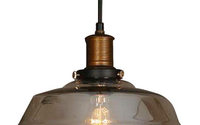 Historické závesné svietidlo s jantárovým skleneným tienidlom. Svietidlo spája jednoduchosť a staršiu dobu5 670x420 - Historické závesné svietidlo s jantárovým skleneným tienidlom