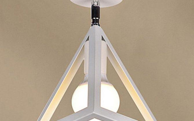Moderné stropné svietidlo Trojuholník v bielej farbe 3 670x420 - Moderné stropné svietidlo Trojuholník v bielej farbe