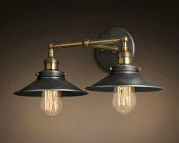 Historické dvojité nástenné svietidlo s čiernym tienidlom (1)