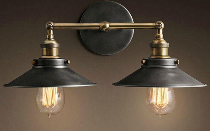 Historické dvojité nástenné svietidlo s čiernym tienidlom 3 670x420 - Historické dvojité nástenné svietidlo s čiernym tienidlom