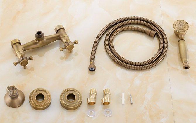 Prepracovaná sprchová batéria v retro štýle