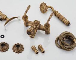 Prepracovaná vaňová batéria a sprcha v historickom dizajne