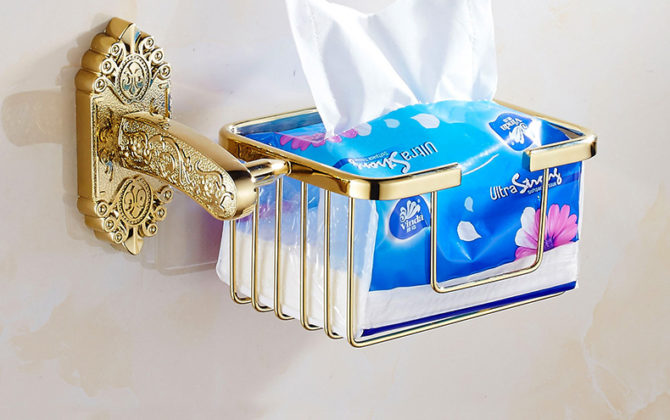 Starožitný prepracovaný držiak na toaletný papier v zlatej farbe . 670x420 - Starožitný prepracovaný držiak na toaletný papier v zlatej farbe