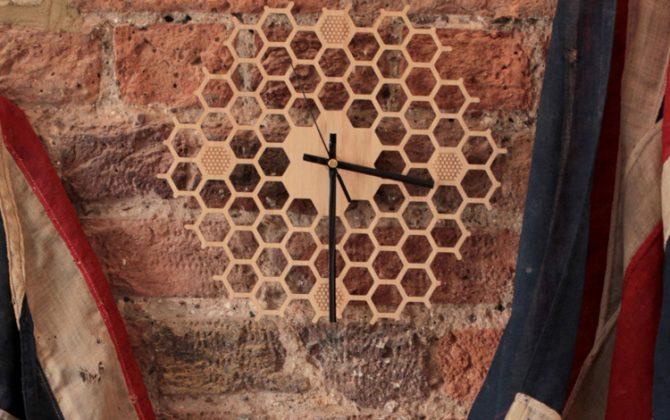 Jedinečné drevené nástenné hodiny v tvare medu . 1 670x420 - Jedinečné drevené nástenné hodiny v tvare medu