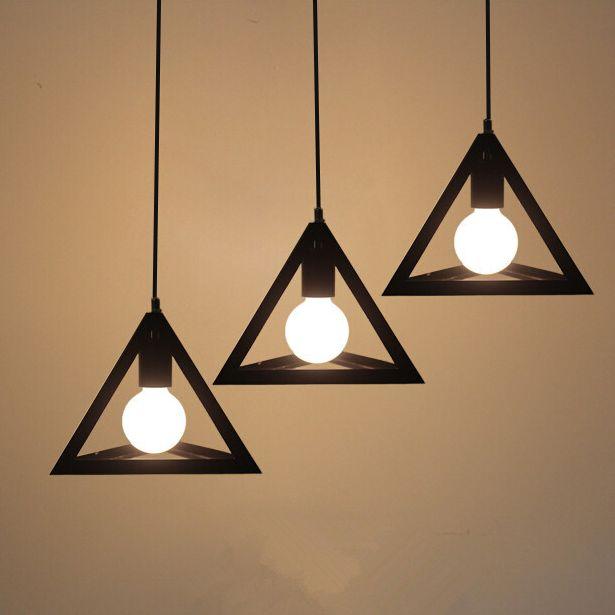Historické závesné svietidlo Trojuholník v čiernej farbe na žiarovky typu E27 je svietidlo určené na stenu v historickom vzhľade14 - Historické závesné svietidlo Trojuholník v čiernej farbe