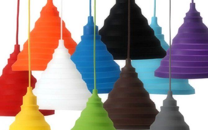 Moderný závesný silikónový luster s textilnou šnúrou vo farbe podľa výberu. Tento moderný typ lustra nemôže vo Vašej obývacej izbe jedálni alebo spálni chýbať.2 670x420 - Moderný závesný silikónový luster s textilnou šnúrou v červenej farbe