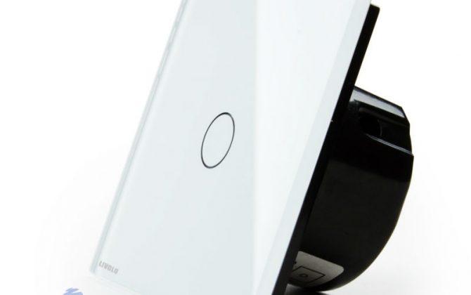 Používa sa na ovládanie svetla pomocou jednoduchého dotyku. Vďaka sklenenému povrchu nebolo ovládanie ešte nikdy také jednoduché a elegantné zároveň2 670x420 - Elegantný dotykový vypínač roliet, žalúzií a markíz v bielom prevedení