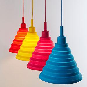 Svietidlo je vyrobené na žiarovky s päticami E27 čo je najpoužívanejší typ pätíc žiaroviek v domácnostiach5 - Moderný závesný silikónový luster s textilnou šnúrou v červenej farbe