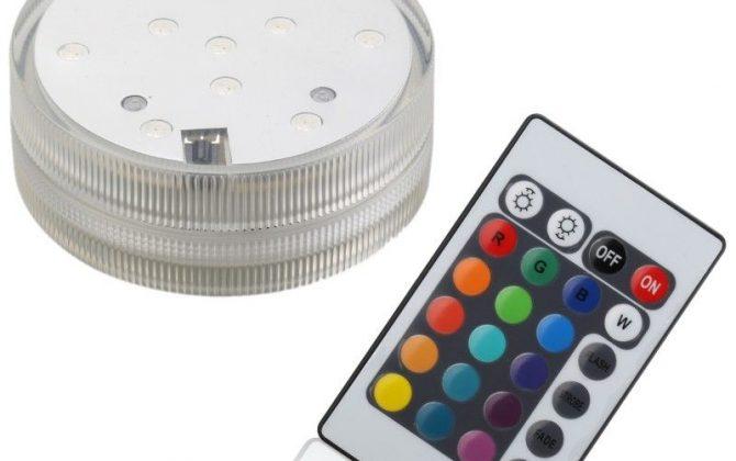 Podstavec má na zadnej strane priestor na zavesenie takže môže slúžiť ako lampáš alebo si ho môžete zavesiť 670x420 - Vodotesný LED podstavec s diaľkovým ovládaním