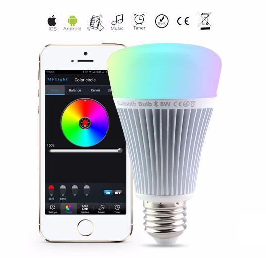 RGB LED žiarovka s bezdrôtovým reproduktorom 8W 550lm28 - RGB LED žiarovka s efektami, 8W, 550lm