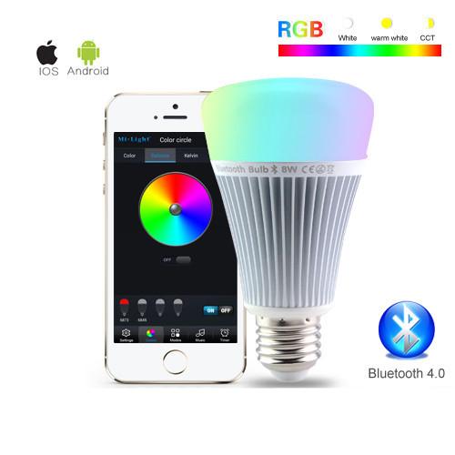 RGB LED žiarovka s bezdrôtovým reproduktorom 8W 550lm3 - RGB LED žiarovka s efektami, 8W, 550lm