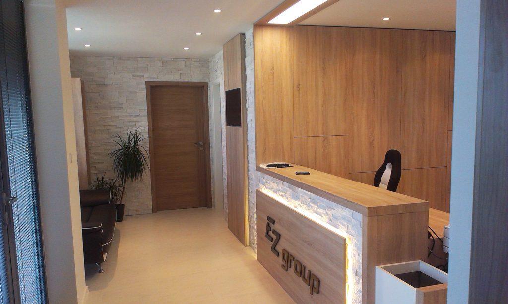 Vstavaná kancelária a kuchyňa v jednej skrini alebo na 100% využitý priestor