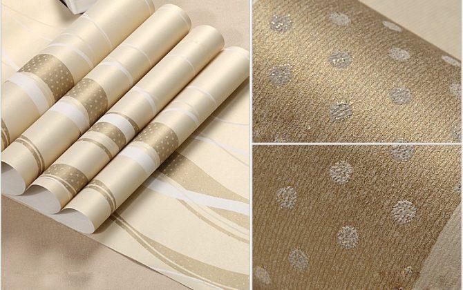Moderná tapeta so vzorom v krémovej farbe