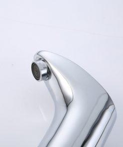 Vodovodná batéria so senzorom a páčkou na ovládanie teploty