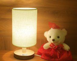 Stolová lampa vyrobená z dreva so stmievačom. Hľadátestolové lampy Ponúkame vámstolové lampyvšetkých druhov farieb tvarov a dizajnov (1)