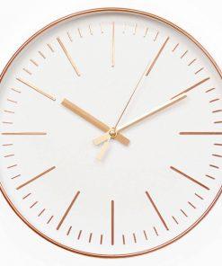 Jednoduché ružovo-zlaté nástenné hodiny