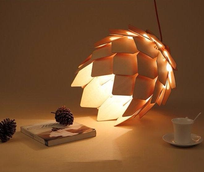 Závesné kreatívne drevené svietidlo ART je kreatívne svietidlo ktoré uchváti každého návštevníka vašich priestorov svojím jedinečným dizajnom. 6 - Kreatívne drevené svietidlo závesné - ART, priemer 25cm