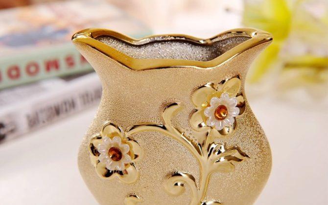 Elegantná porcelánová váza s unikátnym dizajnom kvetmi a kryštálikmi v zlatej farbe . 670x420 - Elegantná porcelánová váza s unikátnym dizajnom, kvetmi a kryštálikmi v zlatej farbe