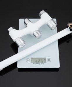 Moderná vaňová batéria s dlhým hrdlom a s ručnou spŕškou