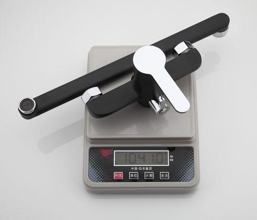 Čierna vaňová batéria s dlhým hrdlom a s ručnou spŕškou