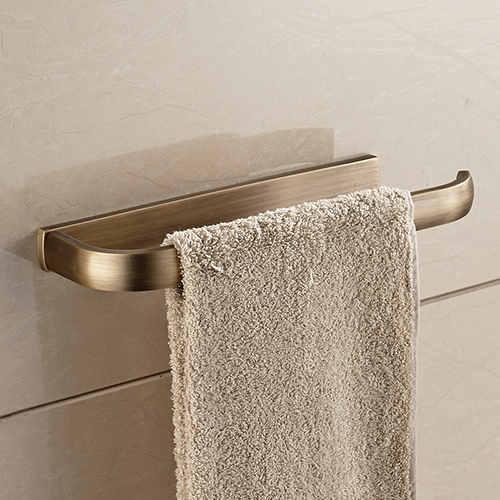 Držiak na uteráky do kúpeľne v štyroch rôznych farbách