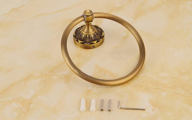 Elegantný staromosadzný vešiak na uterák v tvare kruhup 670x420 - Elegantný staromosadzný vešiak na uterák v tvare kruhu
