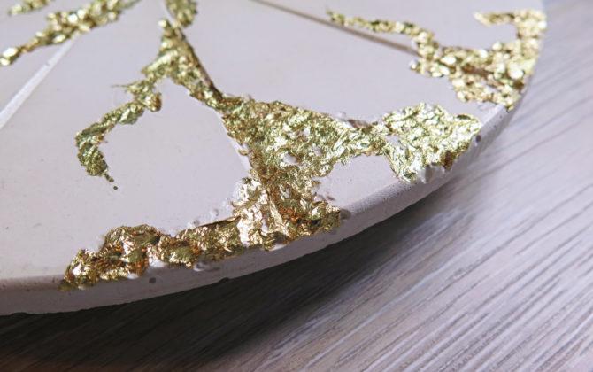 Ručne vyrobené nástenné hodiny - Gold mine
