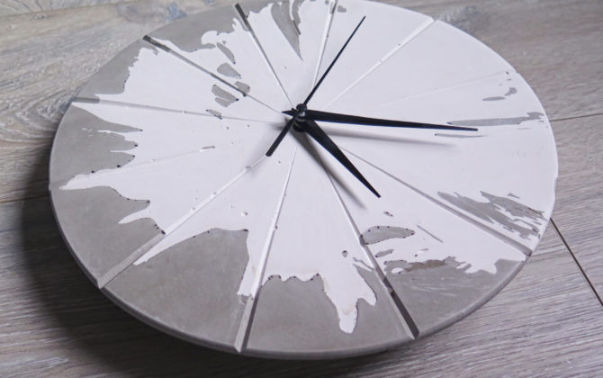 Ručne vyrobené nástenné hodiny - Concrete explosion