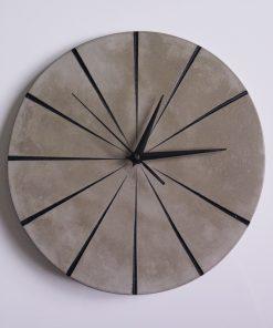 Ručne vyrobené nástenné hodiny - Black concrete