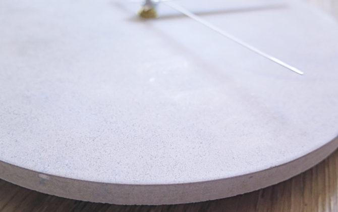 Ručne vyrobené nástenné hodiny - Pure concrete mini
