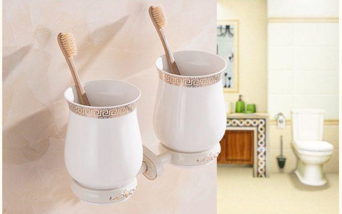 Luxusný dvojitý stojan s pohárikmi na zubné kefky v bielej farbe 670x420 - Luxusný dvojitý stojan s pohárikmi na zubné kefky v bielej farbe