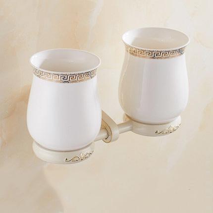 Luxusný dvojitý stojan s pohárikmi na zubné kefky v bielej farbe. 1 - Luxusný dvojitý stojan s pohárikmi na zubné kefky v bielej farbe