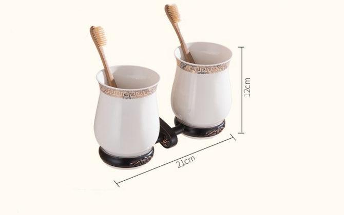 Luxusný dvojitý stojan s pohárikmi na zubné kefky v čiernej farbe . 670x420 - Luxusný dvojitý stojan s pohárikmi na zubné kefky v čiernej farbe