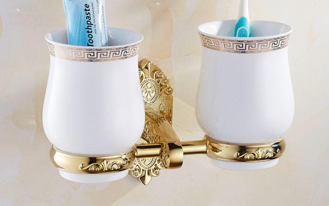 Luxusný dvojitý stojan s pohárikmi na zubné kefky v zlatej farbe