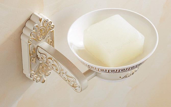 Luxusný nástenný držiak na mydlo v bielej farbe, držiak + miska