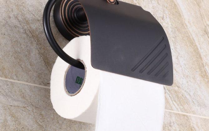 Vintage mosadzný držiak na toaletný papier v čiernej farbe. 670x420 - Vintage mosadzný držiak na toaletný papier v čiernej farbe