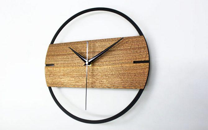 Jedinečné moderné drevené nástenné hodiny. 670x420 - Jedinečné moderné drevené nástenné hodiny