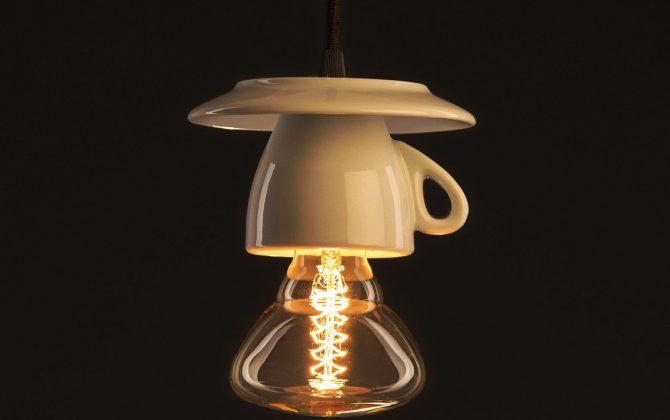 Porcelánové dizajnové svietidlo v tvare šálky 2 670x420 - Porcelánové dizajnové svietidlo v tvare šálky