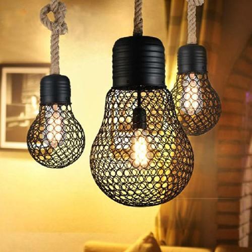 Závesné lanové svietidlo s čiernou klietkou v tvare žiarovky 30cm 1 - Závesné lanové svietidlo s čiernou klietkou v tvare žiarovky, 30cm