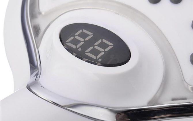 LED Sprchová hlavica s digitálnym teplomerom 3 farby je originálny doplnok 670x420 - Sprchová LED hlavica s digitálnym teplomerom, 3 farby, biela farba