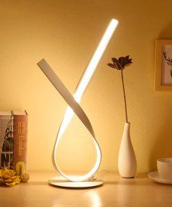 Moderná-LED-stolová-lampa-SLUČKA-v-zlatej-farbe