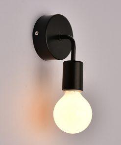 Nástenné svietidlo Deco v čiernej farbe je svietidlo určené na stenu v jednoduchom štýle. Svietidlo dodá vášmu domovu nádych harmónie (2)