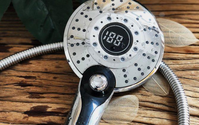 Sprchová hlavica s LED podsvietením a digitálnym teplomerom 3 funkcie 10 670x420 - Sprchová hlavica s LED svetlom a digitálnym teplomerom, 3 funkcie